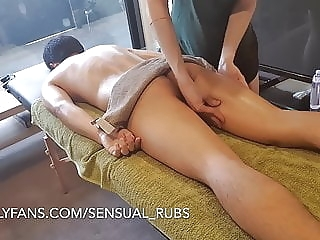 ASIAN GUY CUMS INSIDE ME AFTER EROTIC MASSAGE AND FINGERS ME twink (gay) amateur (gay) asian (gay)