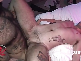 Hot FTM fuck bareback (gay) bear (gay) big cock (gay)