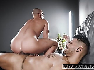 TT Leon and Saverio bareback big cock bukkake